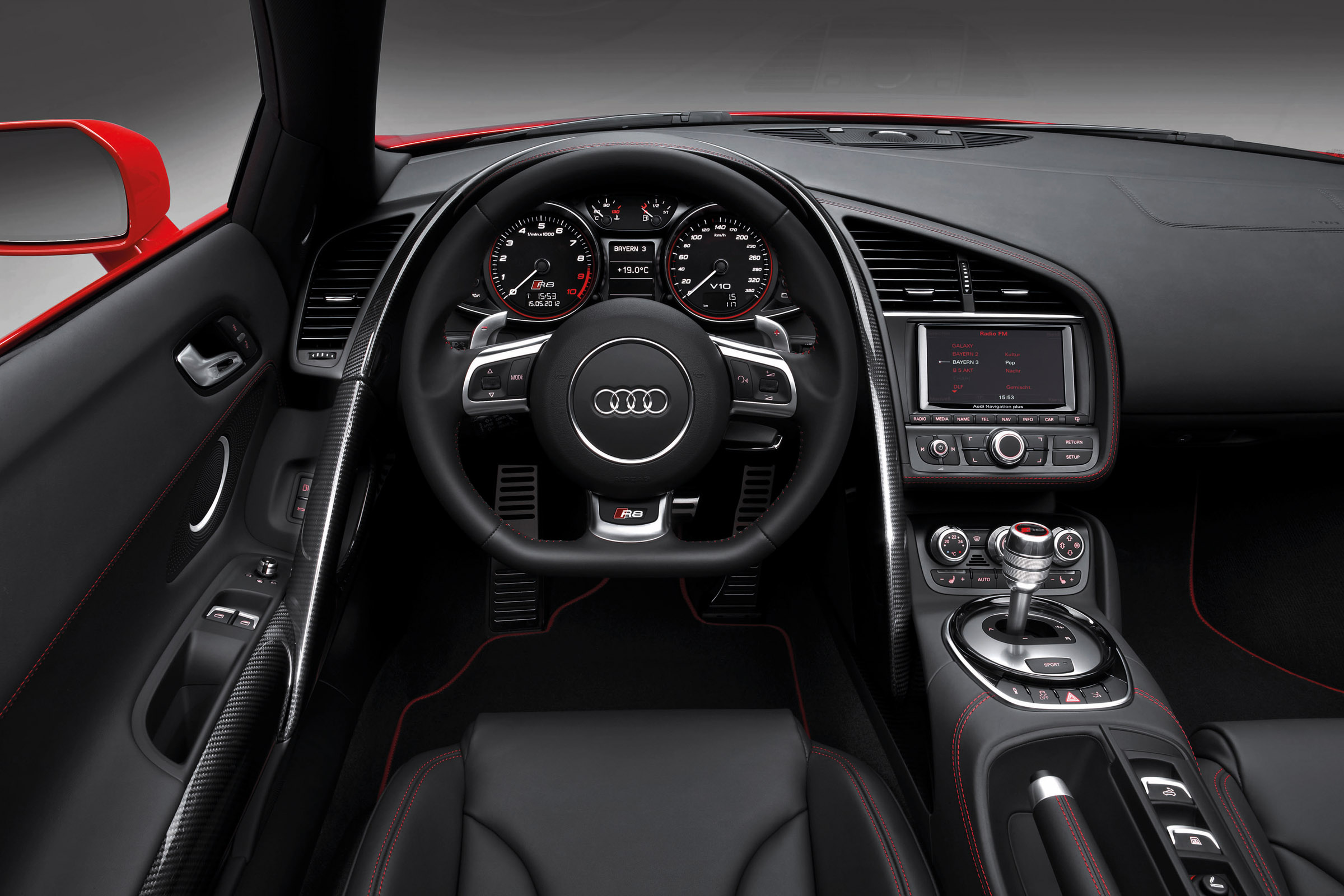 2013 Red Audi R8 Spyder V10 Interior