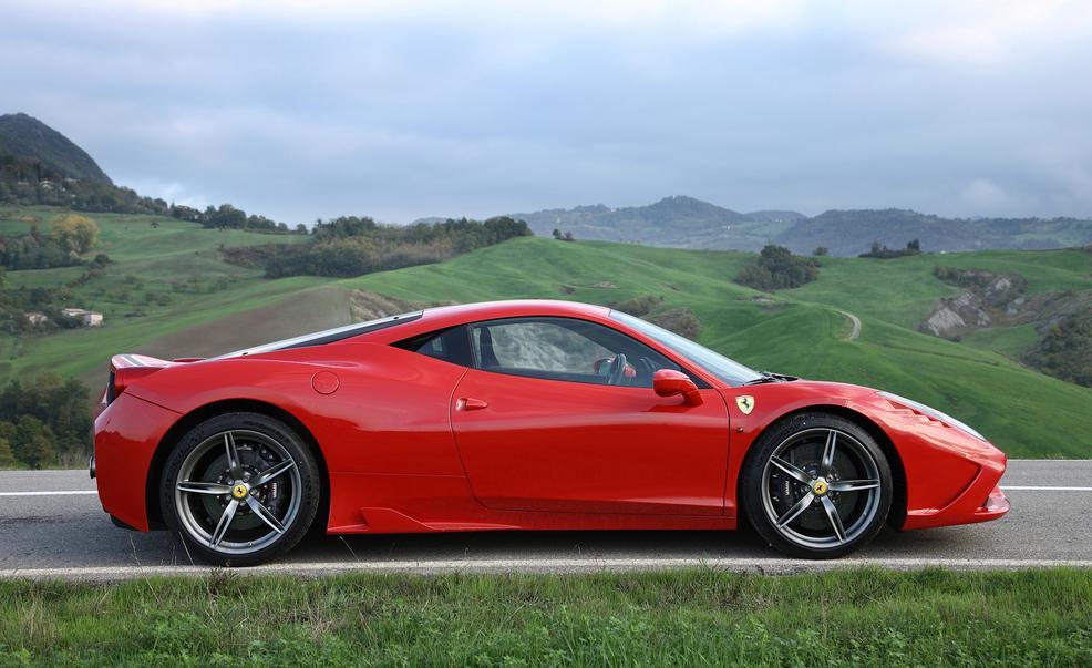 Ferrari 458 Speciale Image 11
