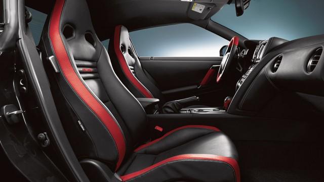 2013 Nissan GT-R (R35) ด้านใน
