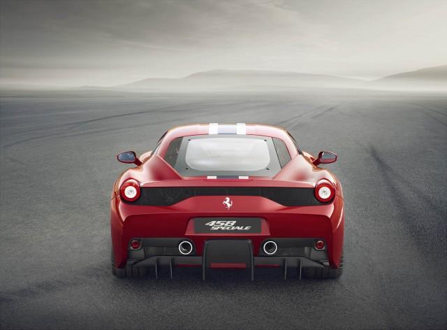 Ferrari 458 Speciale ด้านหลัง