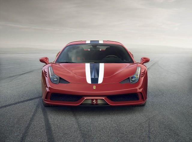 Ferrari 458 Speciale ด้านหน้า