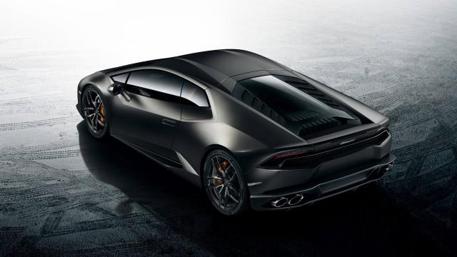รูปด้านหลัง Lamborghini Huracan LP 610-4