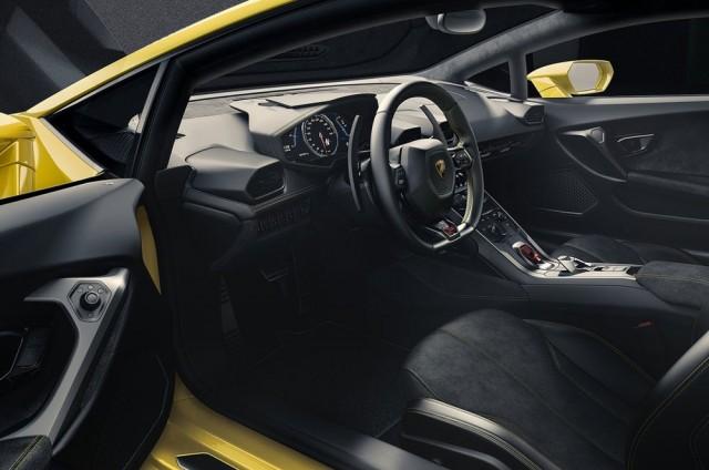 รูปที่ห้าภายใน Lamborghini Huracan LP 610-4