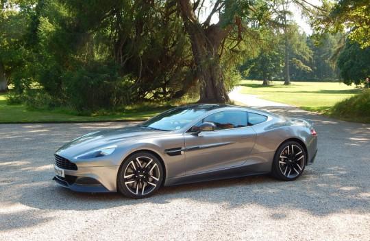 2015 Aston Martin Vanquish Image 2