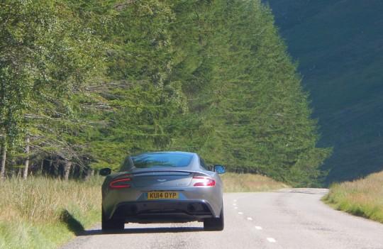 2015 Aston Martin Vanquish Image 3