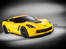 2015-chevrolet-corvette-z06-front-right-view