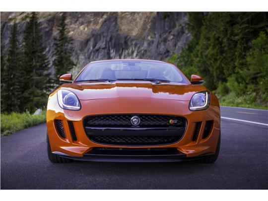 รถสปอร์ต Jaguar F-Type