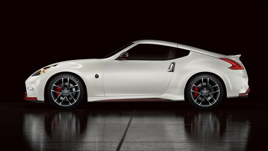 2015 Nissan 370Z NISMO Picture 2