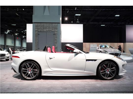 2015 Jaguar F-Type Pic 3