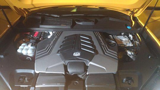 Lamborghini URUS engine