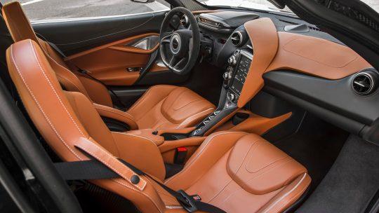McLaren 720S ด้านใน
