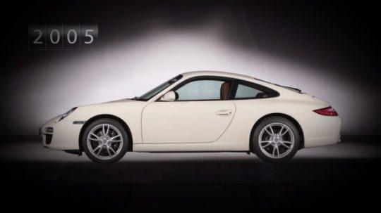 Porsche 911 รุ่นที่ 6 รหัสตัวถัง 997 เปิดตัวในปี 2004 ทำตลาดเป็นรุ่นปี 2005